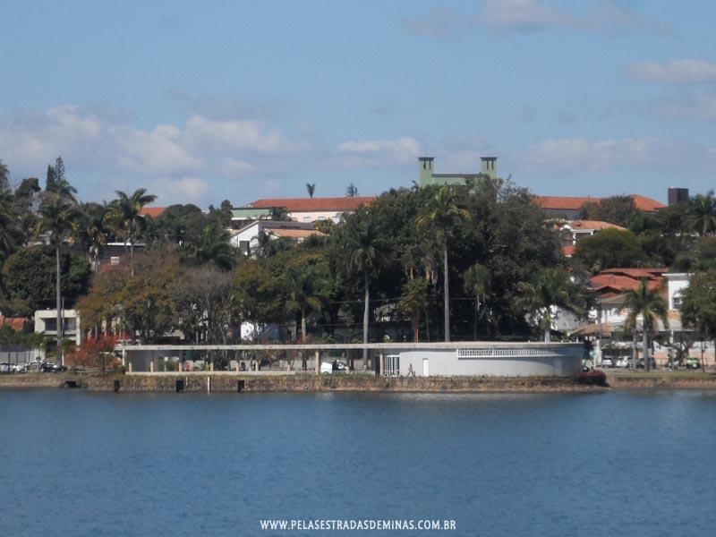 Foto: Vista da Casa do Baile na Lagoa da Pampulha em BH