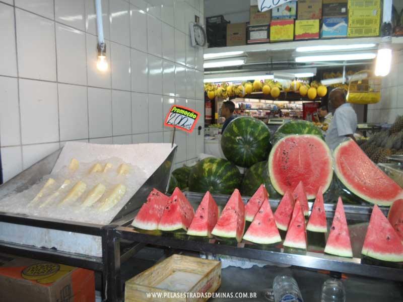 Foto: Abacaxi e Melancia - Mercado Central BH