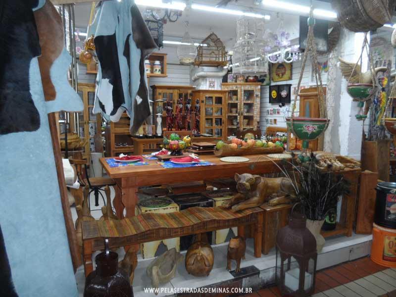Foto: Móveis - Mercado Central de BH