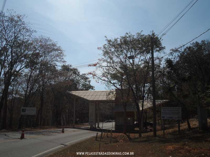 Foto: Entrada da Gruta da Lapinha - Parque Estadual do Sumidouro