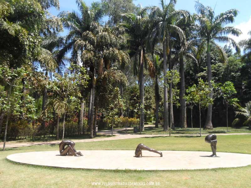 Foto: Instituto Inhotim - Esculturas Edgard de Souza