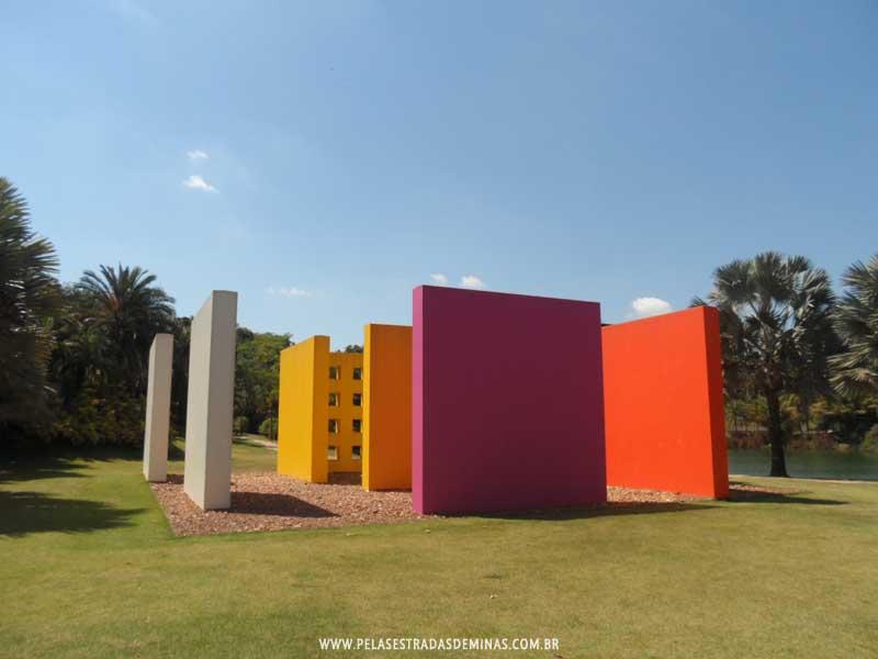 Fabuloso Instituto Inhotim - Brumadinho: Museu de Arte e Natureza KM43