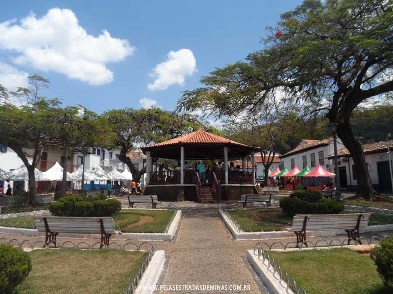 Foto: Sabará - MG - Praça Santa Rita