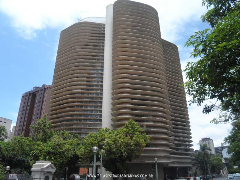 Foto: Praça da Liberdade - Edifício Niemeyer