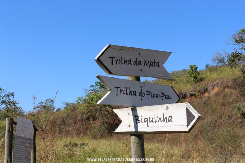 Placas de Trilhas do Parque Estadual Serra Verde em BH