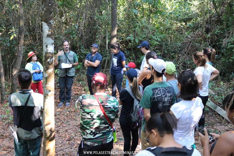 Instruções de Guias no Parque Estadual Serra Verde em BH