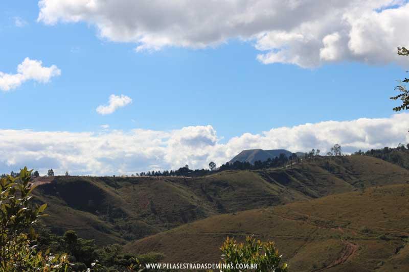 Vista para as Montanhas - Trilha Marumbé - Macacos - MG