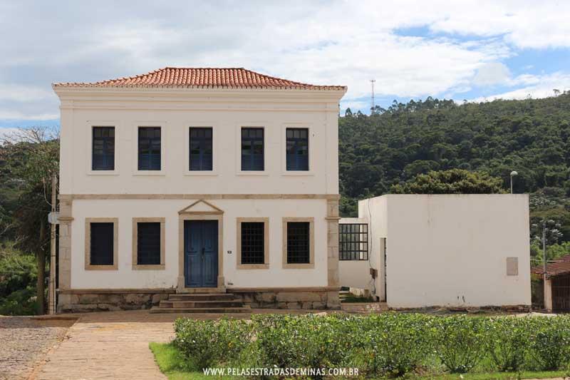Ao Prédio da Antiga Cadeia de Santa Bárbara em Minas Gerais