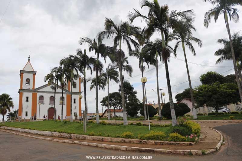 Lagoa Dourada Minas Gerais fonte: pelasestradasdeminas.com.br